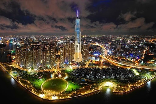 ban-co-the-tan-huong-duoc-khung-canh-hung-vi-nay-chi-khi-den-voi-the-landmark81